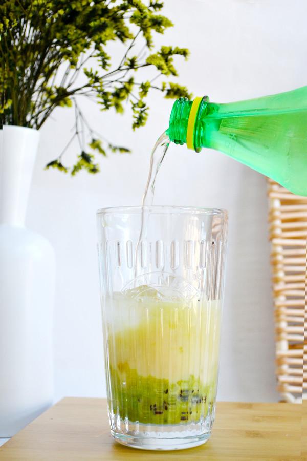猕猴桃气泡饮的简单做法