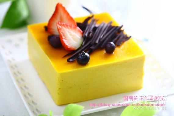 芒果慕斯蛋糕成品图