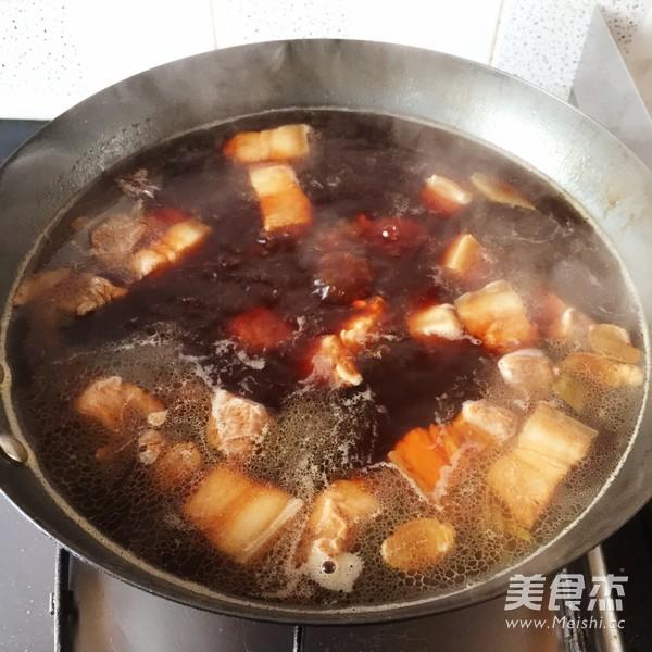 墨鱼仔烧肉的简单做法