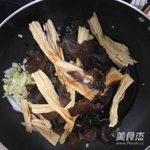 红烧腐竹怎么吃