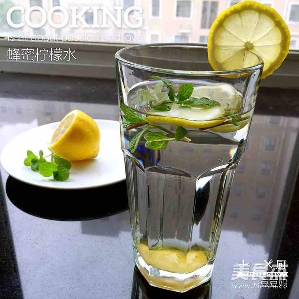 蜂蜜柠檬水成品图