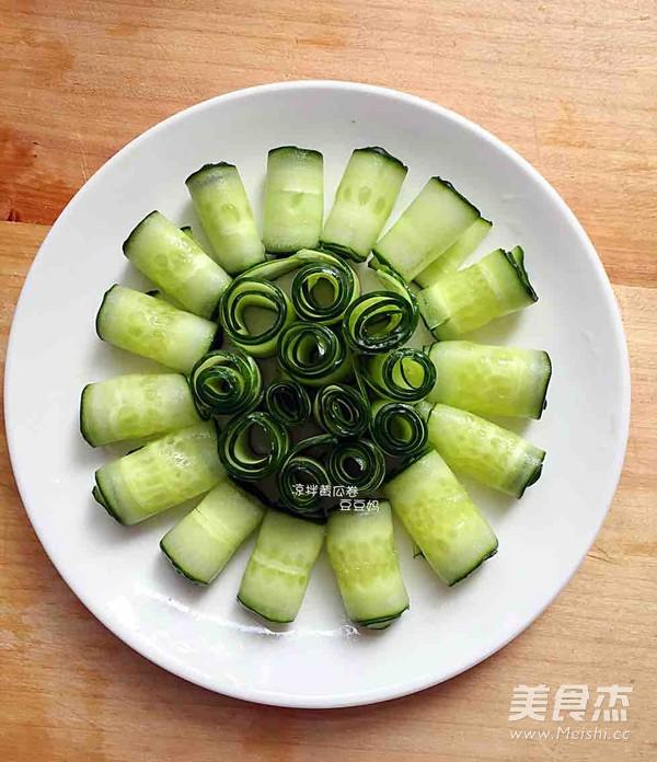 凉拌黄瓜卷的家常做法