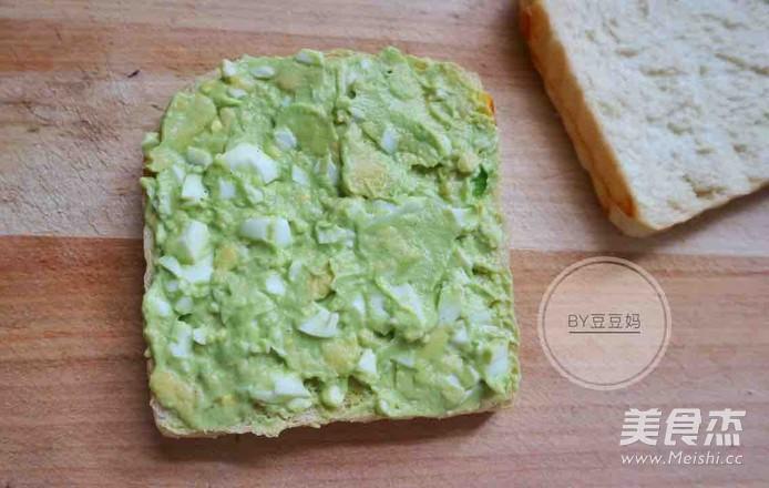 黑椒牛油果三明治怎么煮