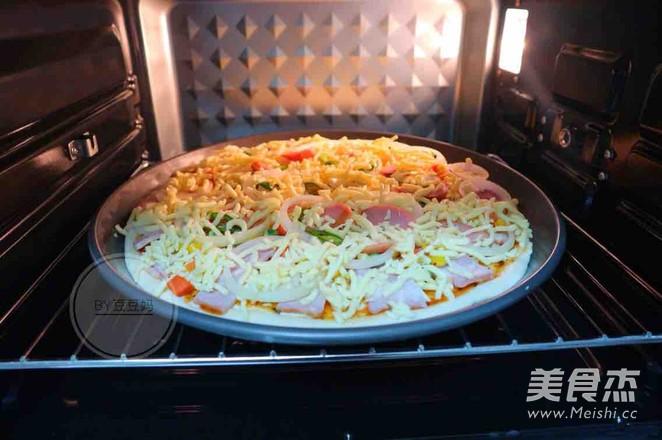 12寸培根田园披萨怎么煸