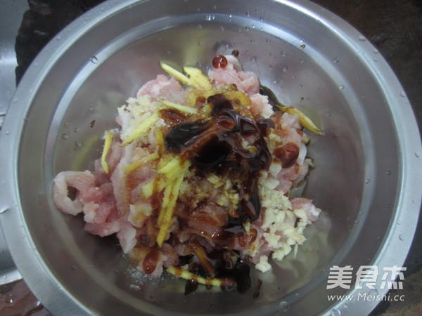 榨菜肉丝米粉的家常做法