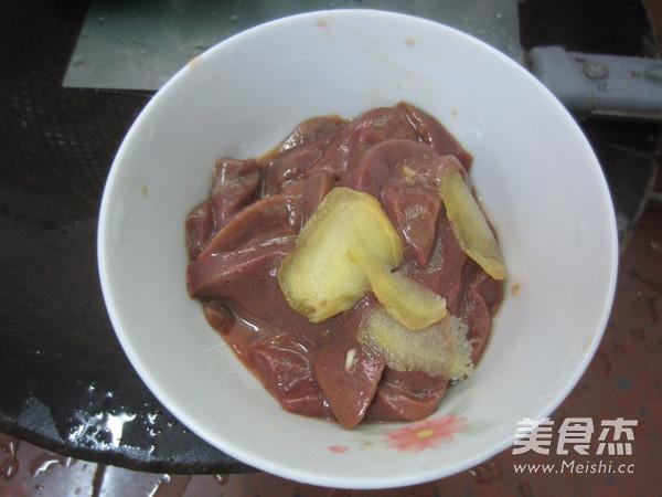 波菜枸杞猪肝汤的家常做法