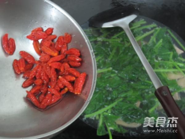 波菜枸杞猪肝汤怎么煸
