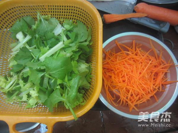 芹菜炒猪肝的简单做法