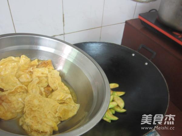 西葫芦炒鸡蛋怎么煮