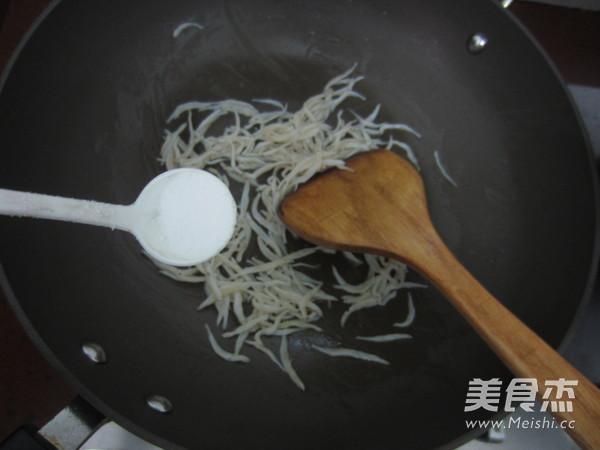银鱼炒蛋怎么炒