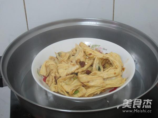 黄豆酱蒸腐竹怎么煮