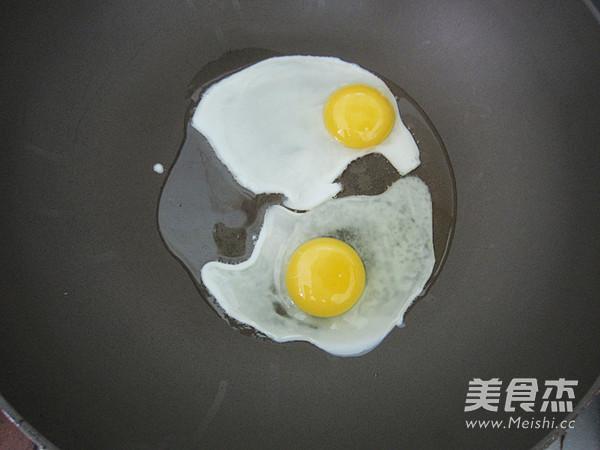 鲜茄鸡蛋河粉的家常做法