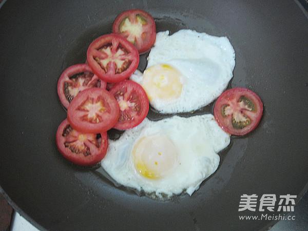 鲜茄鸡蛋河粉的简单做法