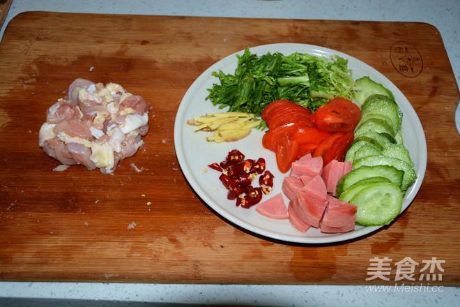 鸡肉粉丝砂锅煲的家常做法
