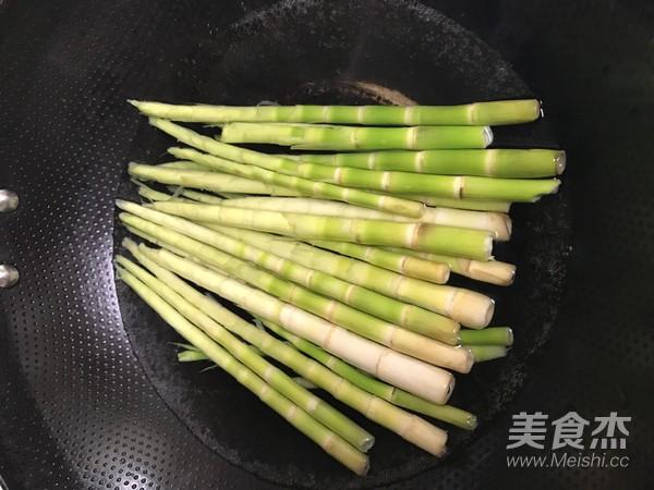 酸菜小竹笋的家常做法