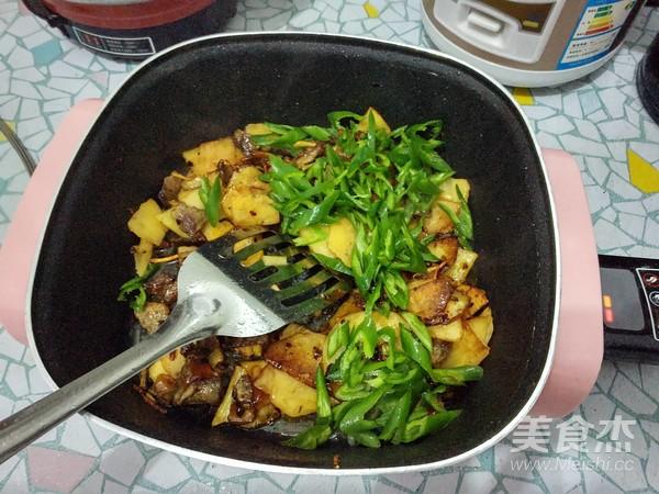 杭椒炒肉干锅土豆厉害的菜怎么做