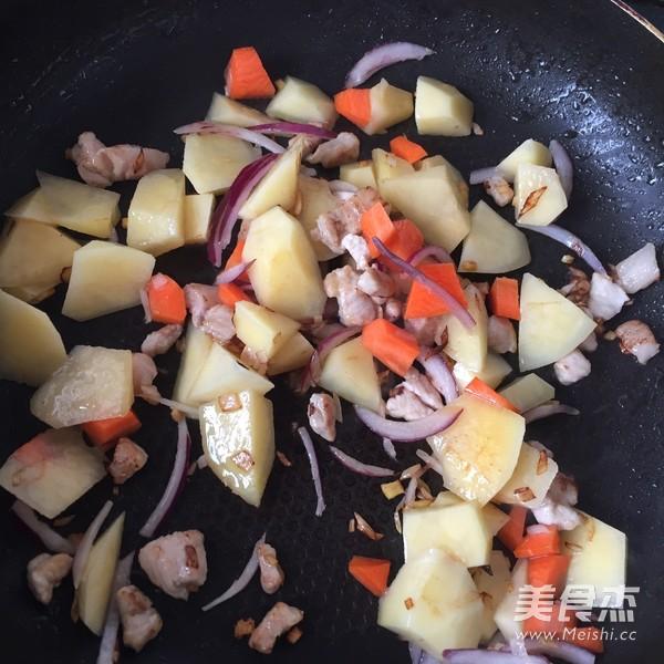 土豆咖喱饭怎么做