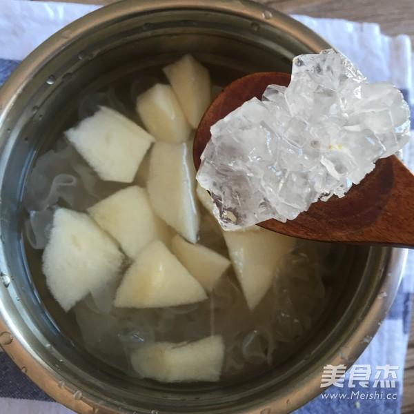 冰糖银耳莲子雪梨汤怎么吃