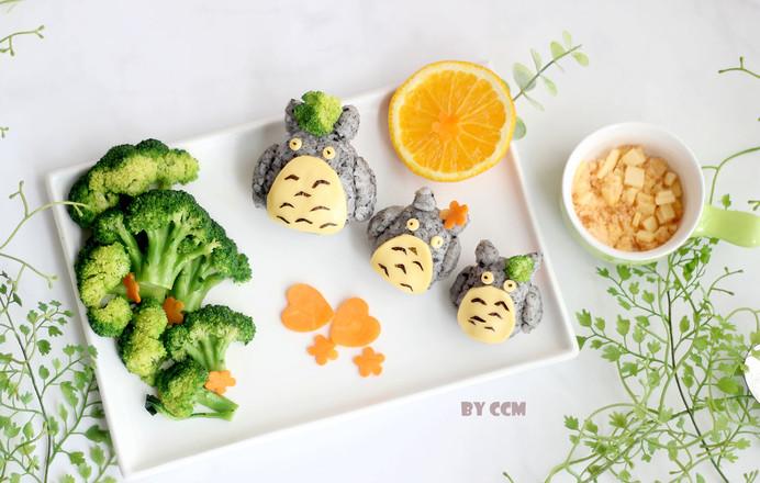 龙猫三文鱼芝士饭团的制作