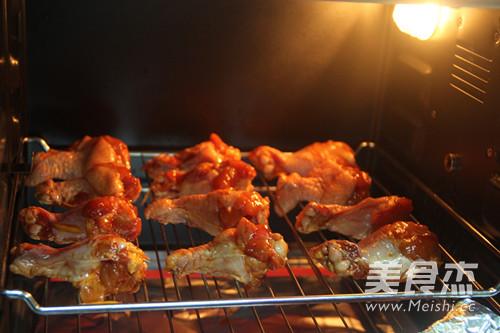 蜜汁烤鸡翅根怎么吃
