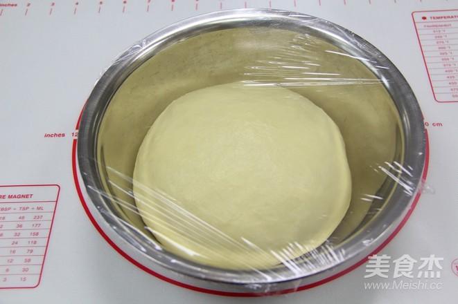 奶香椰蓉面包卷的简单做法