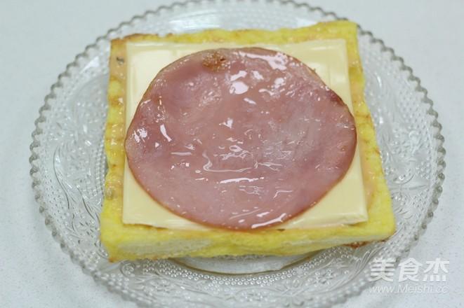 10分钟的快手早餐——芝士火腿三明治怎样煸