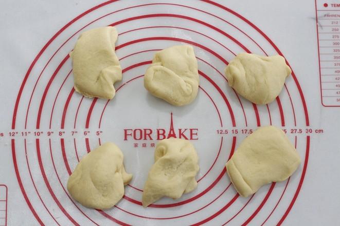 黑芝麻汤圆玉米面包的简单做法