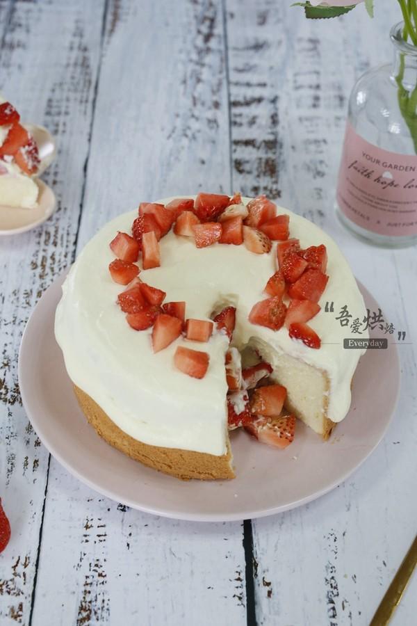 草莓雪崩蛋糕(6寸)成品图