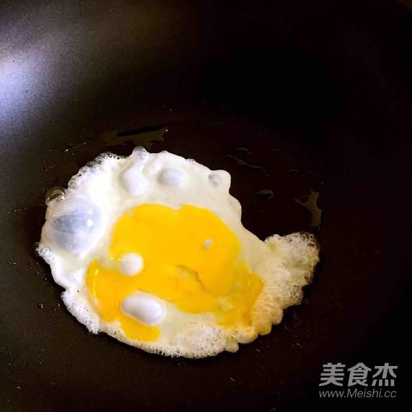 枸杞叶枸杞鸡蛋瘦肉汤的家常做法