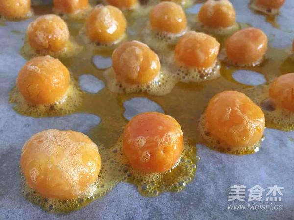 奶香奶黄蛋月饼+莲蓉蛋月饼怎么做