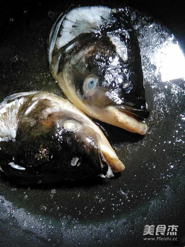 鱼头汤的家常做法