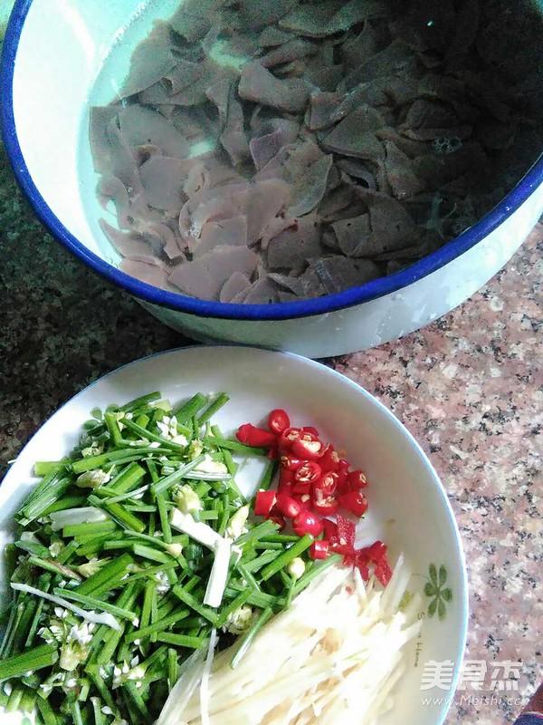 韭菜花炒猪肝的做法图解