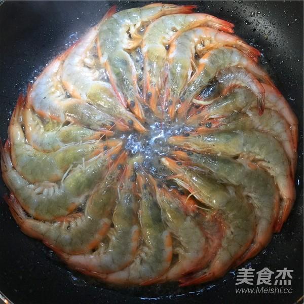 铁板基围虾怎么炒