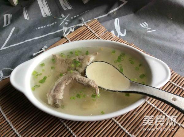 清炖排骨汤怎么吃