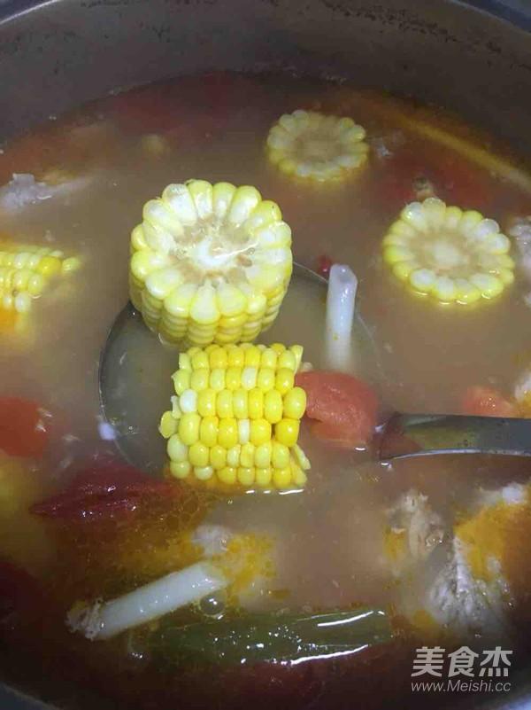 番茄玉米排骨汤怎么吃