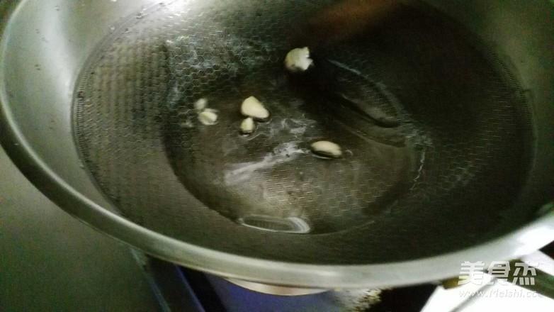 炒生菜的步骤