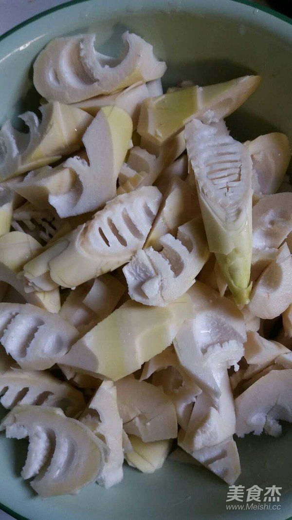 竹笋烤咸菜的家常做法