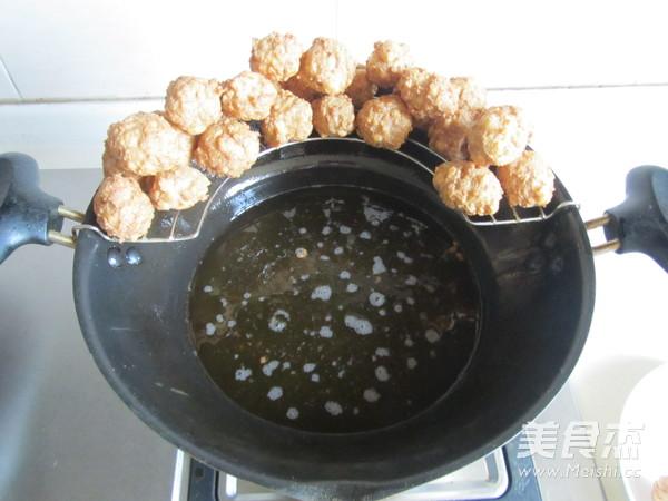 焦熘豆腐丸子怎么做