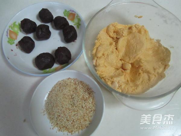 芝麻红薯豆沙饼的简单做法