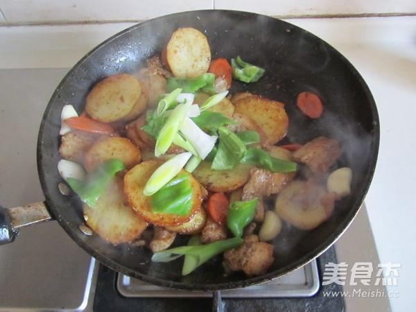 干锅土豆片怎样煸