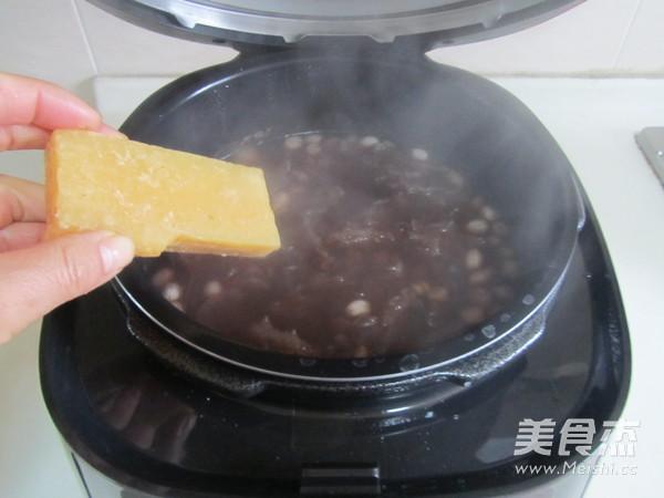 红豆花生莲子银耳汤怎么做