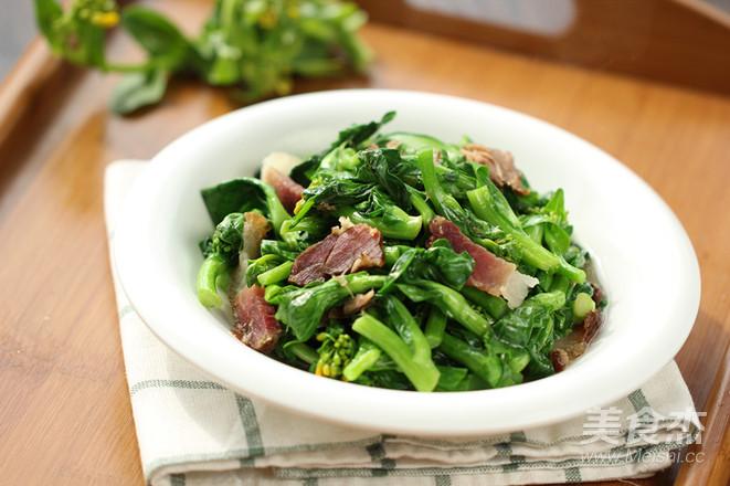 腊肉炒白菜苔怎么炒