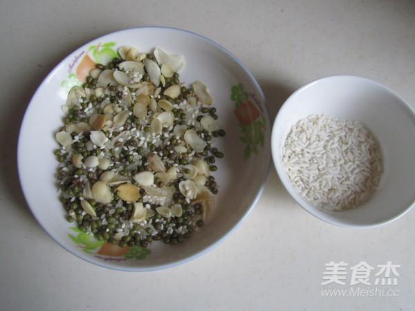 绿豆杏仁百合粥的做法大全