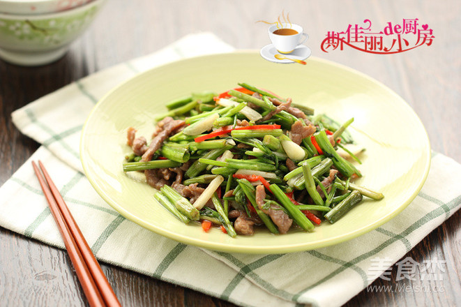 水芹菜炒牛肉丝怎么炒