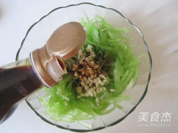 炝拌莴苣丝的简单做法
