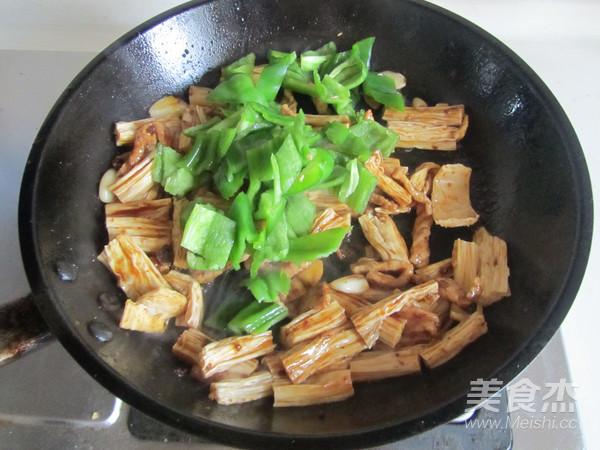 青椒腐竹炒肉片怎么煮