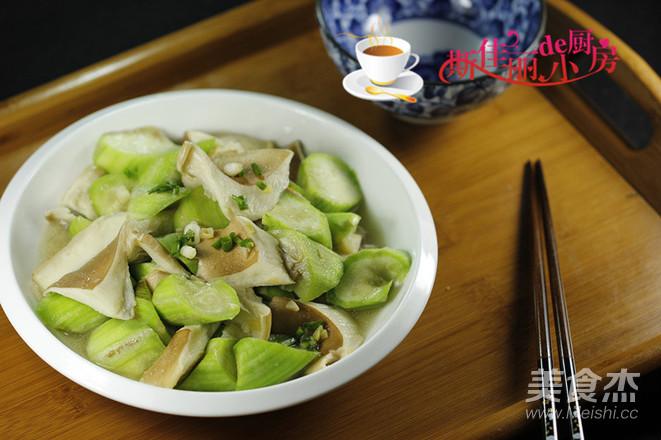 丝瓜炒猪肚菇怎么炒