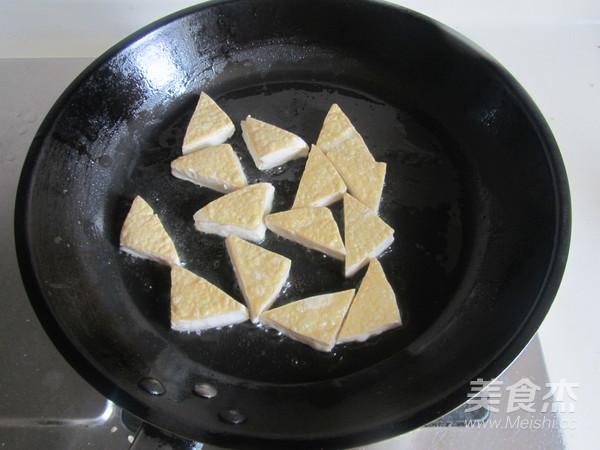 双椒炒臭豆腐的家常做法