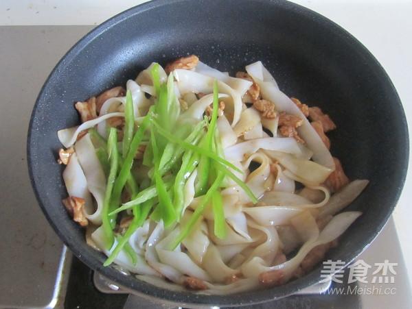 韭黄肉丝炒米粉怎么吃