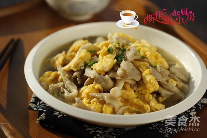 平菇炒鸡蛋成品图